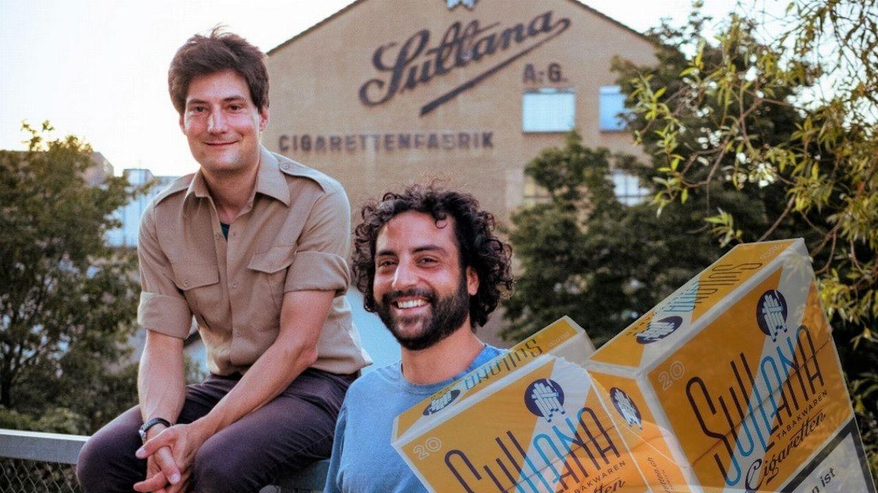 Beat Geier et Stefano Pibiri devant la fabrique Sullana quai Sihl à Zurich. [Josephine Weber - DR]