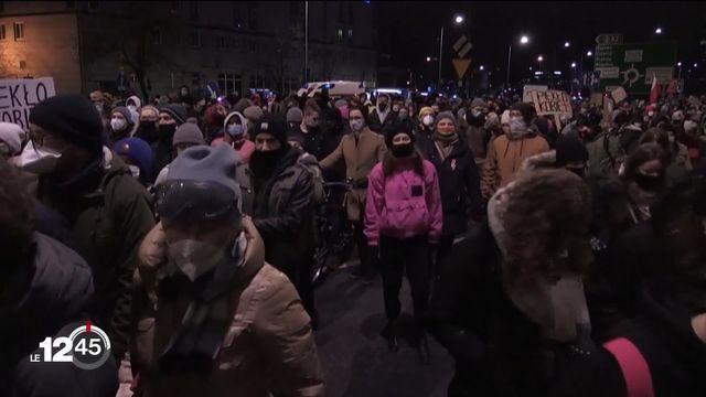 Pologne: la mobilisation continue contre l'interdiction de l'avortement. [RTS]