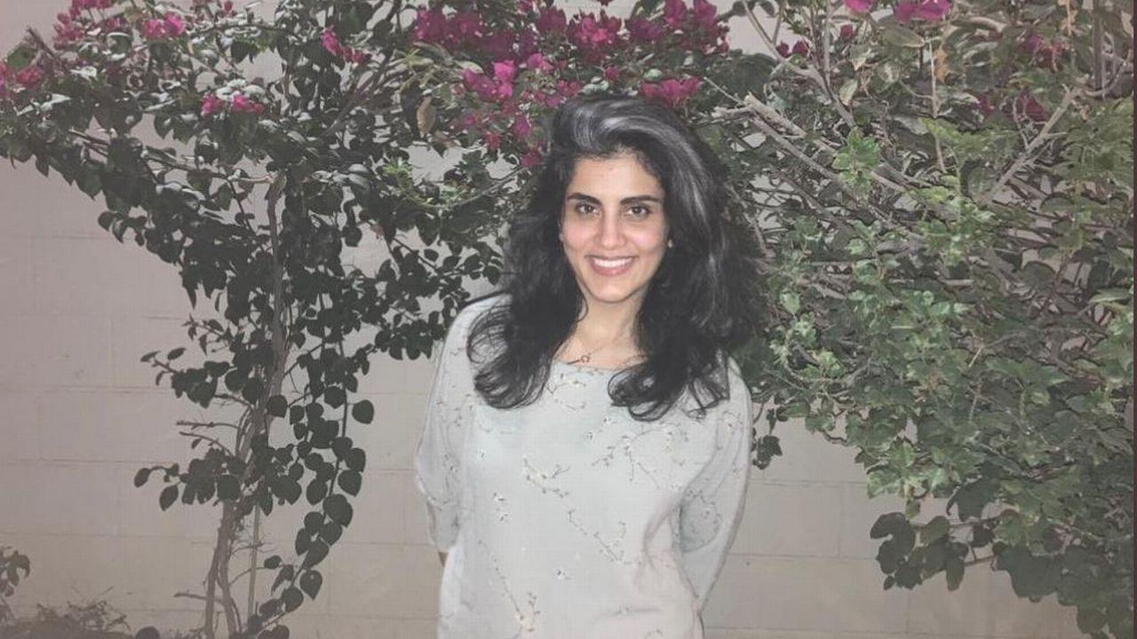 Loujain al-Hathloul à sa sortie de prison, après 1001 jours de détention. [Lina al-Hathloul - Twitter]