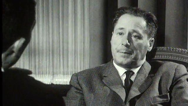 Maurice Zermatten révèle sa vision du rôle de l'écrivain.