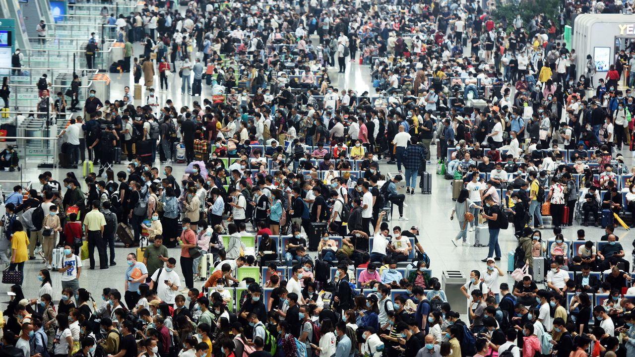 La foule à la gare de Hangzhou, dans l'est de la Chine, en septembre 2020. [EPA/Long Wei  - Keystone]
