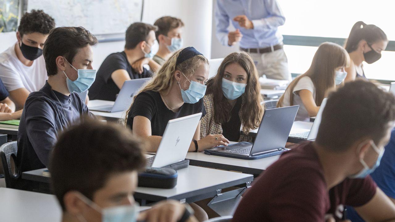 Le Grand Conseil fribourgeois souhaite que les collégiens apportent leur propre ordinateur en classe. [URS FLUEELER - KEYSTONE]