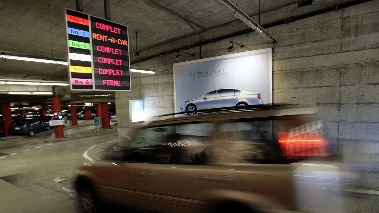 La mobilité des Vaudois a fortement augmenté depuis 2005, notamment dans le domaine des loisirs et à cause de l'aviation. [Martial Trezzini - Keystone]