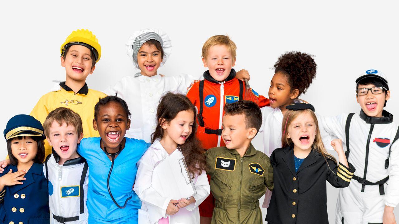 Pilote d'avion, chef ou cheffe cuisinier, astronaute: des jobs de rêve quand on est enfant. [Rawpixel - Depositphotos]