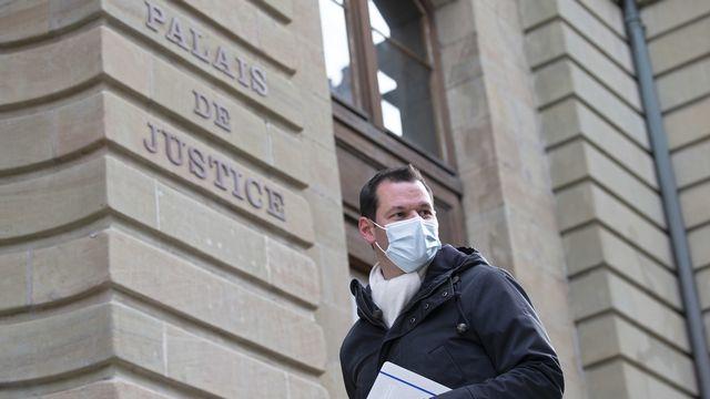 Pierre Maudet devant le Palais de justice à Genève. [Salvatore Di Nolfi - Keystone]
