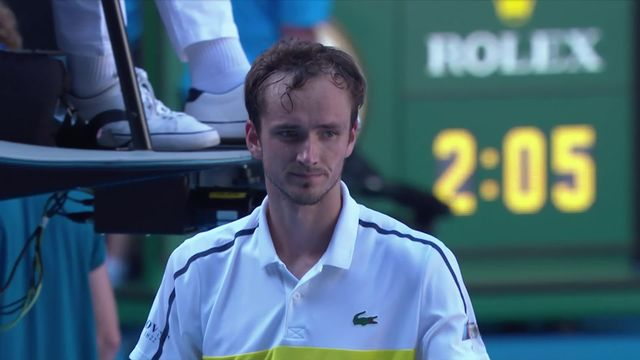 1-4, D. Medvedev (RUS) - A. Rublev (RUS) (7-5, 6-3, 6-2): Medvedev atteint les demies [RTS]