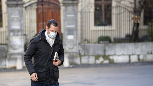 Pierre Maudet arrive au Palais de justice pour le troisième jour de son procès.  [Martial Trezzini - Keystone]