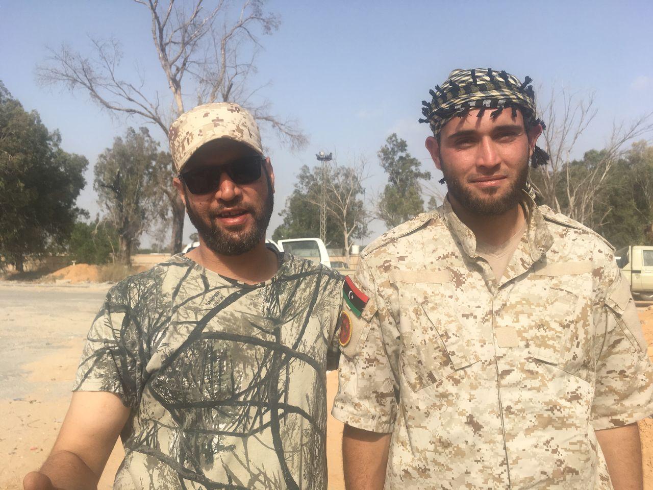 En 2019, à Tripoli, les jeunes tentent de barrer l'offensive du général Haftar, après avoir fait la révolution contre Kadhafi, puis la guerre contre le groupe Etat islamique. [Maurine Mercier - RTS]