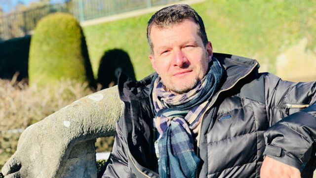 Christophe Bertschy : « Un dessinateur bien dans sa bulle » [Karine Vasarino - RTS]