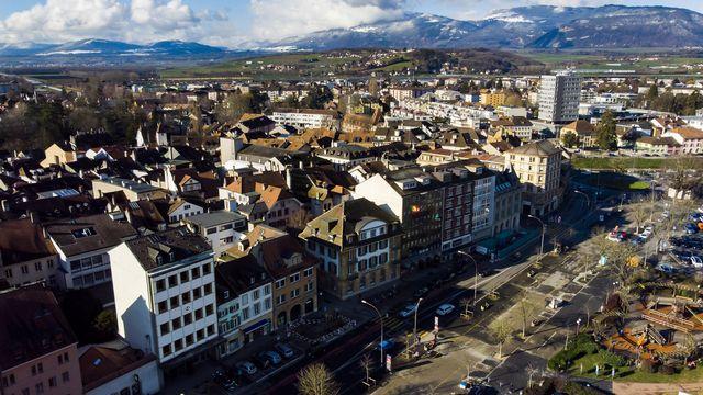 Une vue aérienne d'Yverdon-les-Bains. [Jean-Christophe Bott - Keystone]