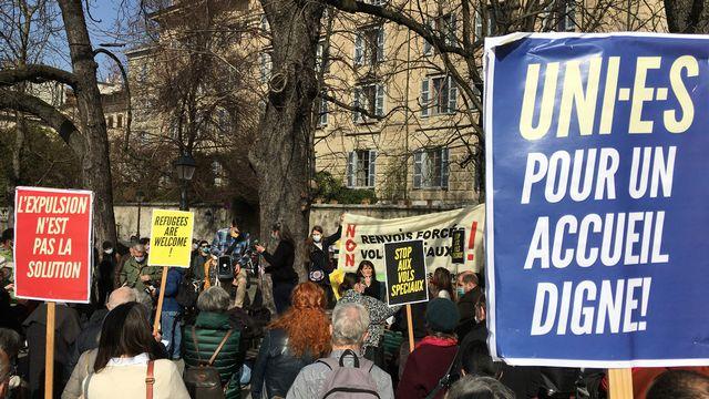 près de 300 personnes se sont réunies à Genève pour dénoncer les renvois forcés vers l'Ethiopie  [Adrien Krause - RTS]