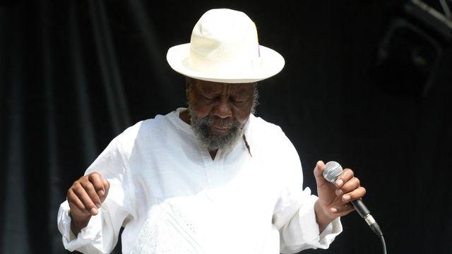 Le chanteur jamaïcain U-Roy au Reggae Sun Ska Festival de Talence, en France, le 3 août 2014. [JEAN-PIERRE MULLER - AFP]