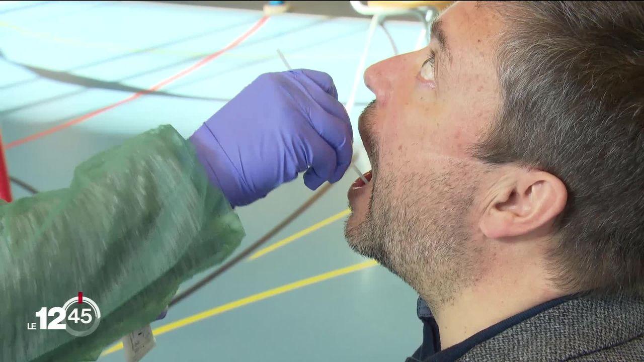 Limiter la propagation du Covid-19 grâce aux tests salivaires. [RTS]