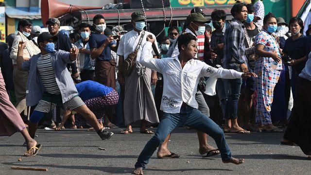 Les violences continuent dans la ville birmane de Rangoun. [Sai Aung Main - AFP]