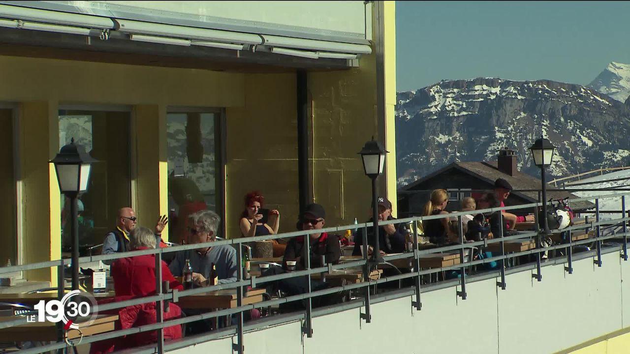 Certains cantons alémaniques ont ouvert les terrasses et refusent de les fermer. Une défiance inédite envers Berne [RTS]