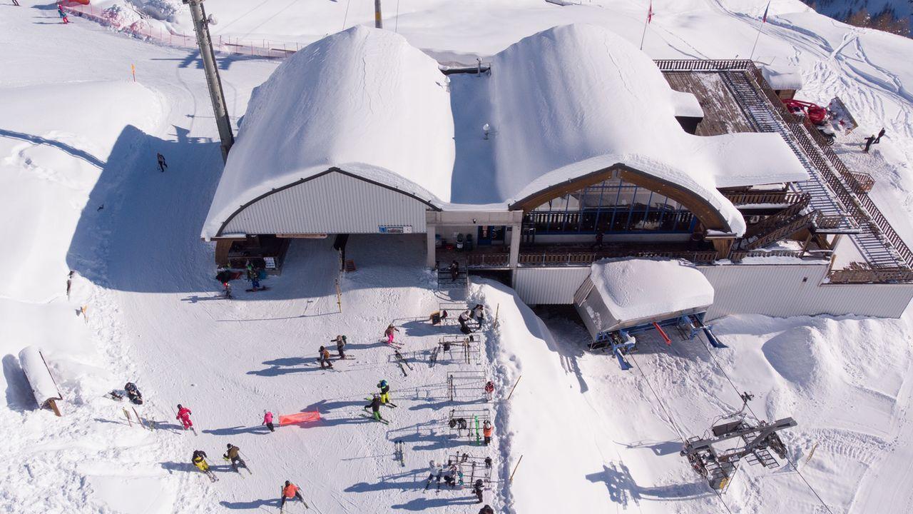 7 personnes décédées en montagne emportées par des avalanches, c'est le bilan de ces derniers jours. [Alessandro Crinari - Keystone]