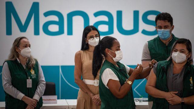 Centre de vaccination à la mairie de Manaus, capitale de l'Etat brésilien d'Amazonas. [Raphael Alves - EPA/Keystone]