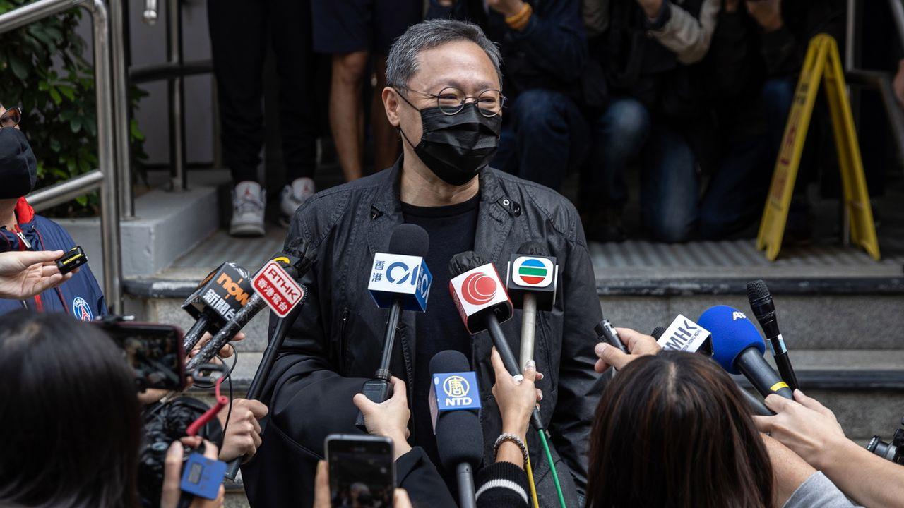 L'universitaire Benny Tai devant la presse après son inculpation, dimanche 28.02.2021. [Jérôme Favre - EPA/Keystone]