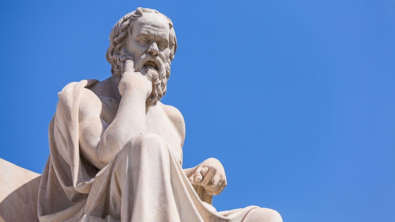 Statue de Socrate à l'Académie d'Athènes en Grèce. [Anastasios71 - Depositphotos]