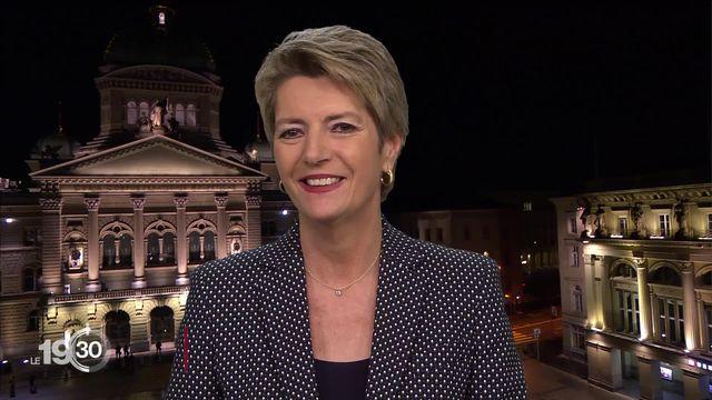 La Conseillère fédérale Karin Keller-Sutter sur les objets de votations du 7 mars. [RTS]