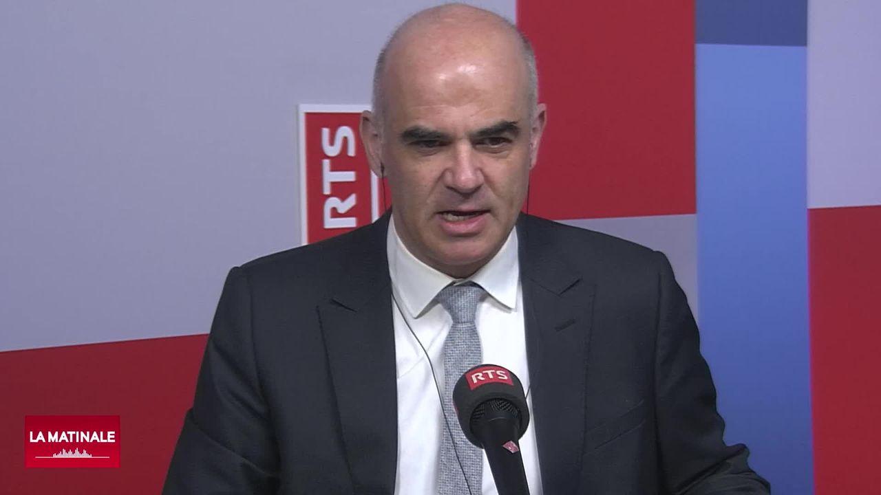 L'interview du conseiller fédéral Alain Berset un an après le début de la crise sanitaire en Suisse (vidéo) [RTS]