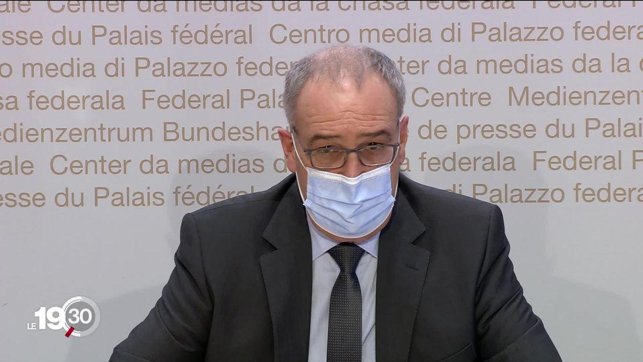 Guy Parmelin en campagne contre les deux initiatives anti-pesticides soumises à votation le 13 juin [RTS]