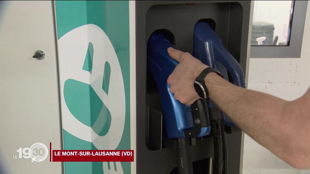La voiture électrique et les bornes de recharge, un marché en plein essor. La success story de Green Motion. [RTS]