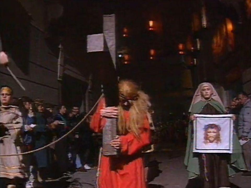 Le jeudi avant Pâques, un grand cortège de la passion du Christ rassemble figurants et public à Mendrisio, 1996 [RTS]