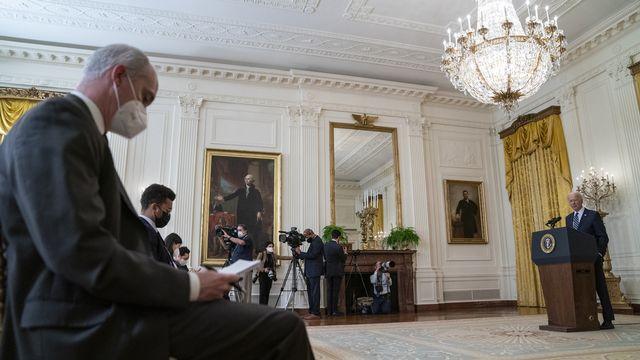 Pour sa première conférence de presse officielle en tant que président américain, Joe Biden a notamment annoncé le 25 mars 2021 une nouvelle accélération du programme de vaccination. [AP Photo/Evan Vucci - Keystone]