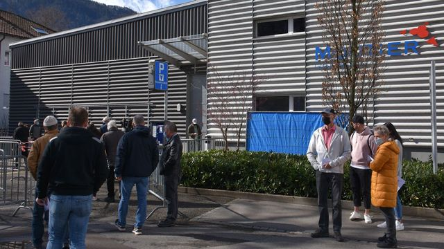 Les bureaux de vote ont ouvert dès le vendredi 26 mars 2021 à Moutier. [Gaël Klein - RTS]