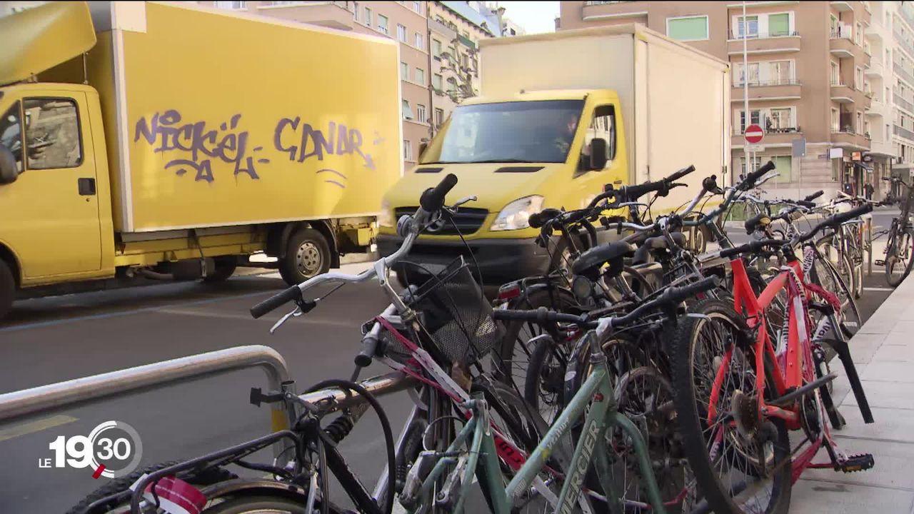 Recyclage écologique pour vélos abandonnés à Genève. [RTS]
