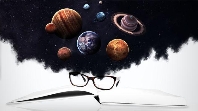 Système solaire et objets spatiaux. [Shad.off - depositphotos]