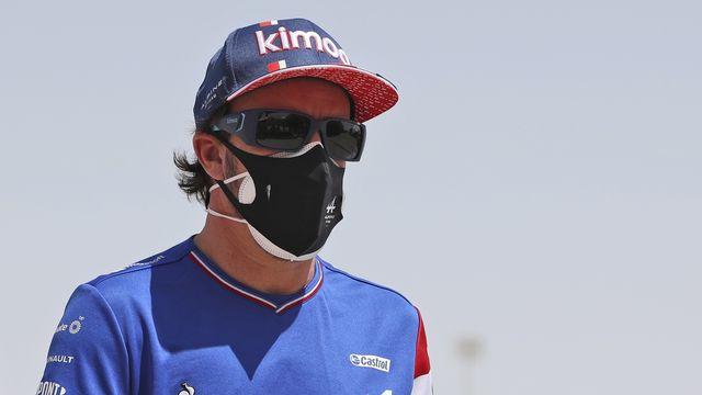 Pour son retour en F1, Alonso a été victime d'une mésaventure peu ordinaire. [Kamran Jebreili - Keystone]