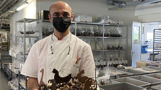 Le chocolatier Tristan Carbonatto à Perroy (2021). [Noriane Rapin - RTSReligion]