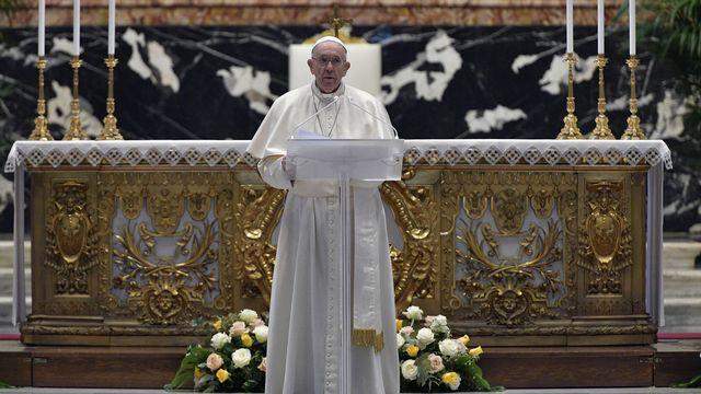 Le Pape François le dimanche 4 avril 2021. [Vatican Media - EPA/Keystone]