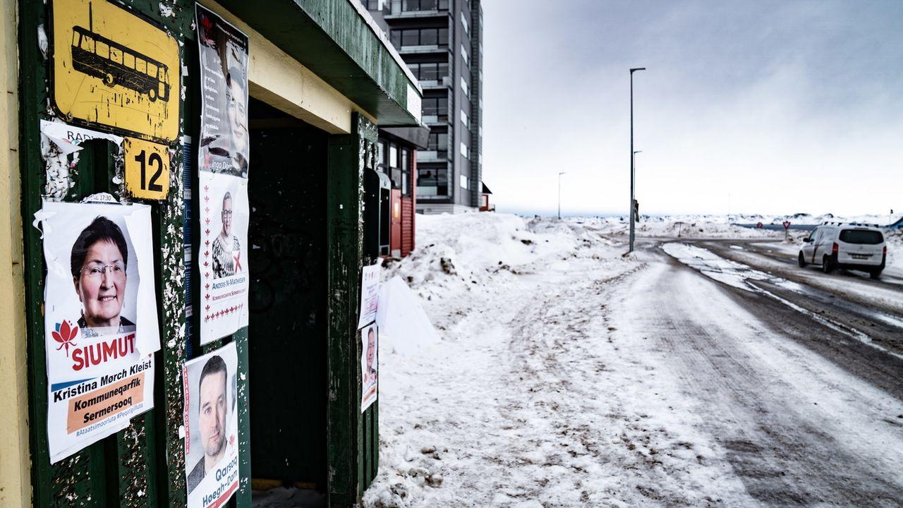 Affiches de campagne dans la capitale, à Nuuk. [Emil Helms - EPA]