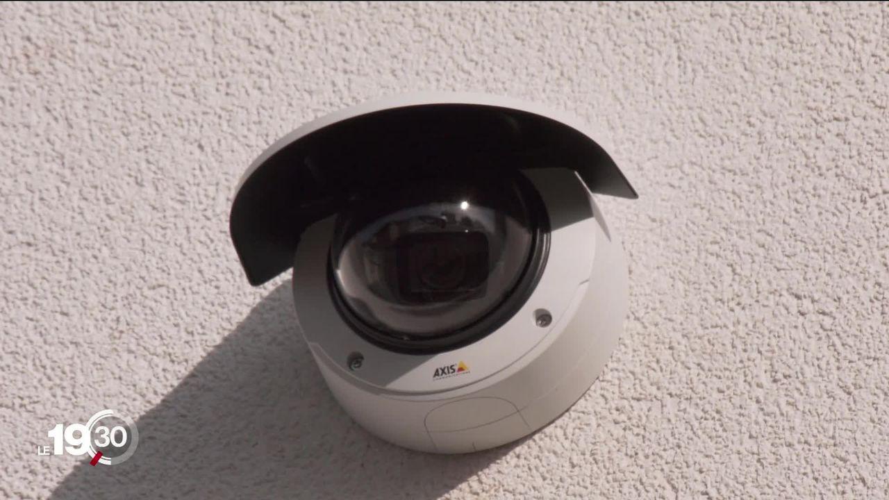 Pour lutter contre les incivilités, des écoles du Jura se dotent de caméras de surveillance. [RTS]