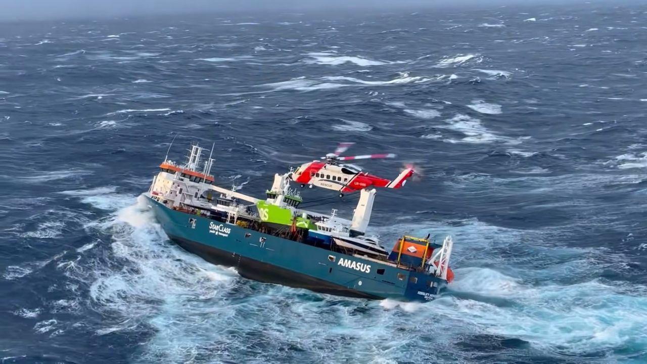 Un cargo fantôme en perdition au large de la Norvège [Reuters]