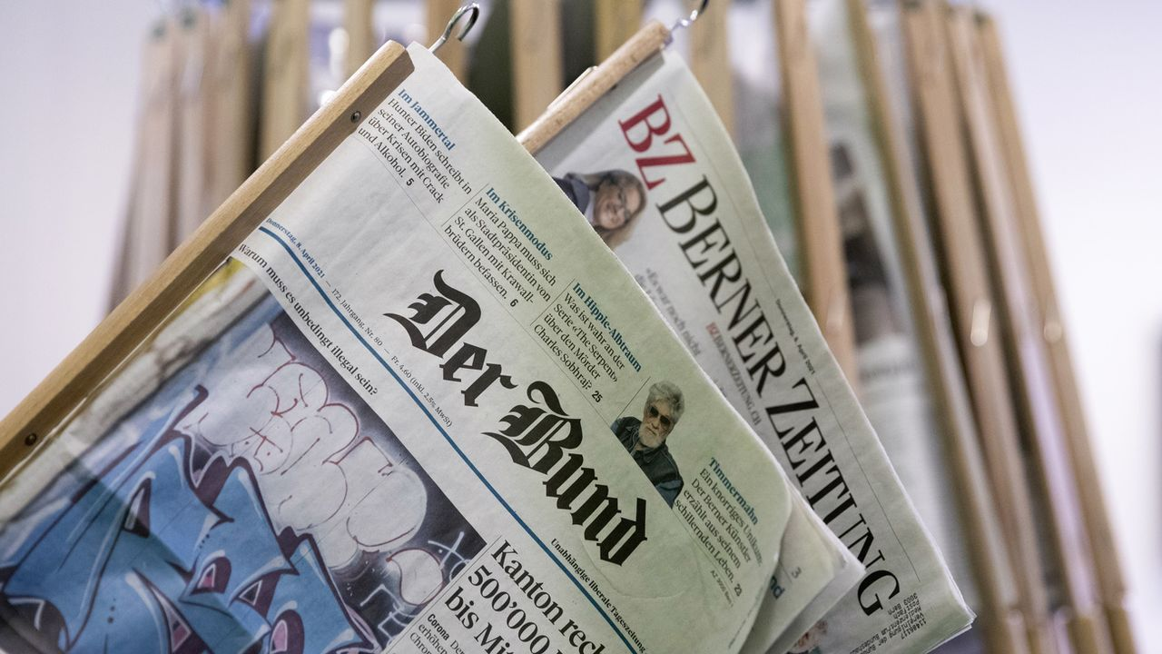 Les éditions du Bund et de la Berner Zeitung datées du 08.04.2021. [Peter Klaunzer - Keystone]