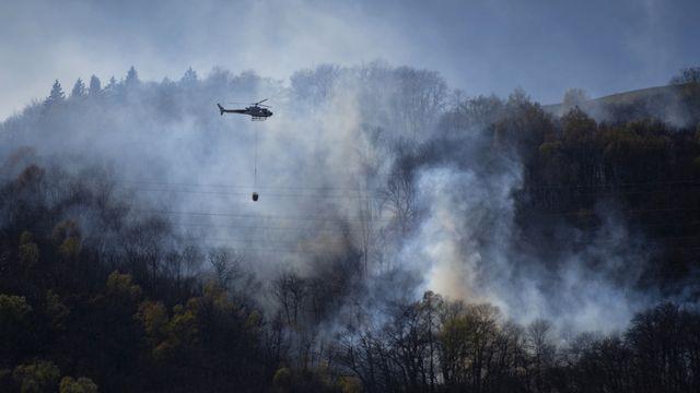 Un premier incendie s'était déclaré mardi près de Monte Ferraro dans le Malcantone. [Pablo Gianinazzi - Ti-Press/Keystone]