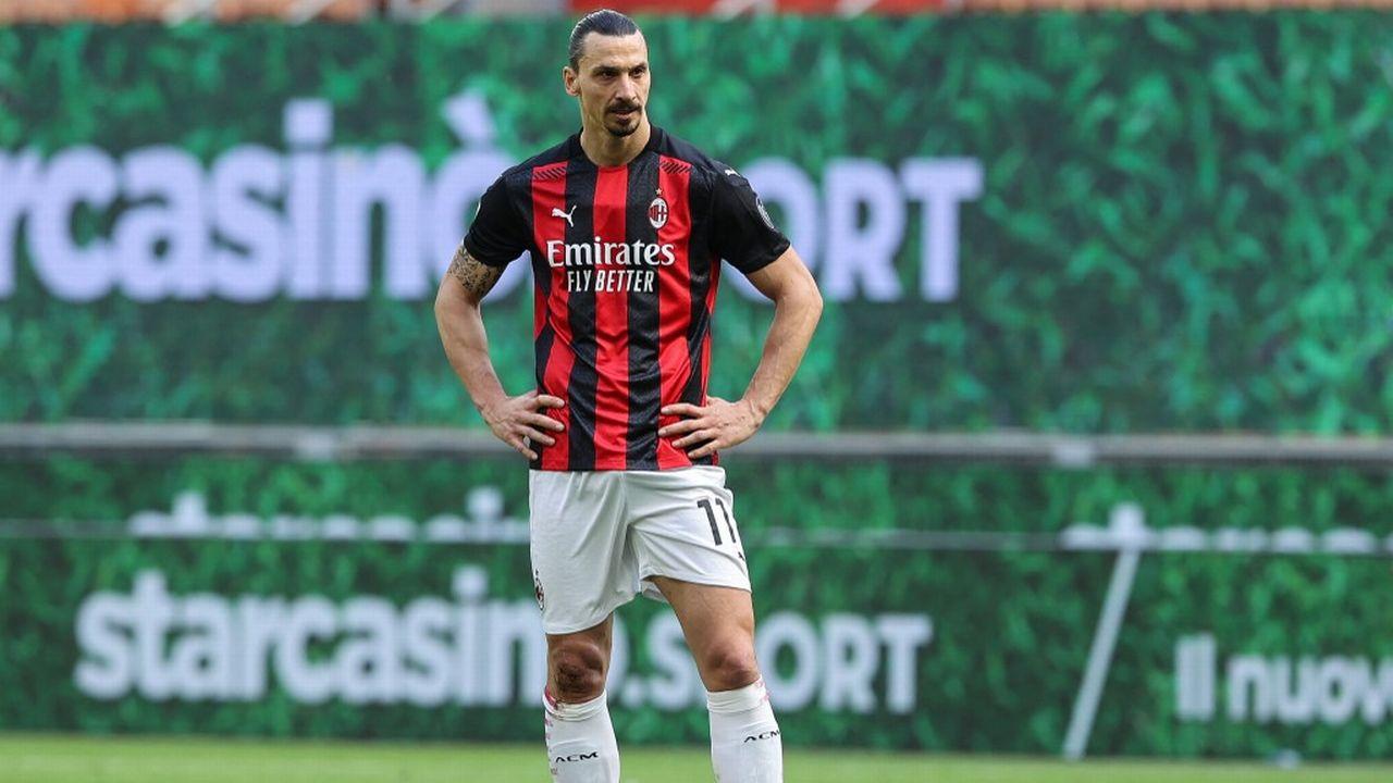 Le joueur de football suédois Zlatan Ibrahimovic lors d'une rencontre entre son club l'AC Milan et la Sampdoria, le 3 avril 2021 à Milan.   [Fabrizio Carabelli Images / DPPI - AFP]