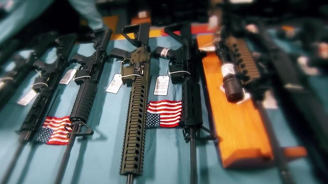 Les armes à feu, une problématique sociétale aux Etats-Unis [RTS]