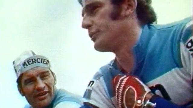 Raymond Poulidor (à gauche) et Christian Raymond (à droite) durant le Tour de Romandie 1974. [RTS]