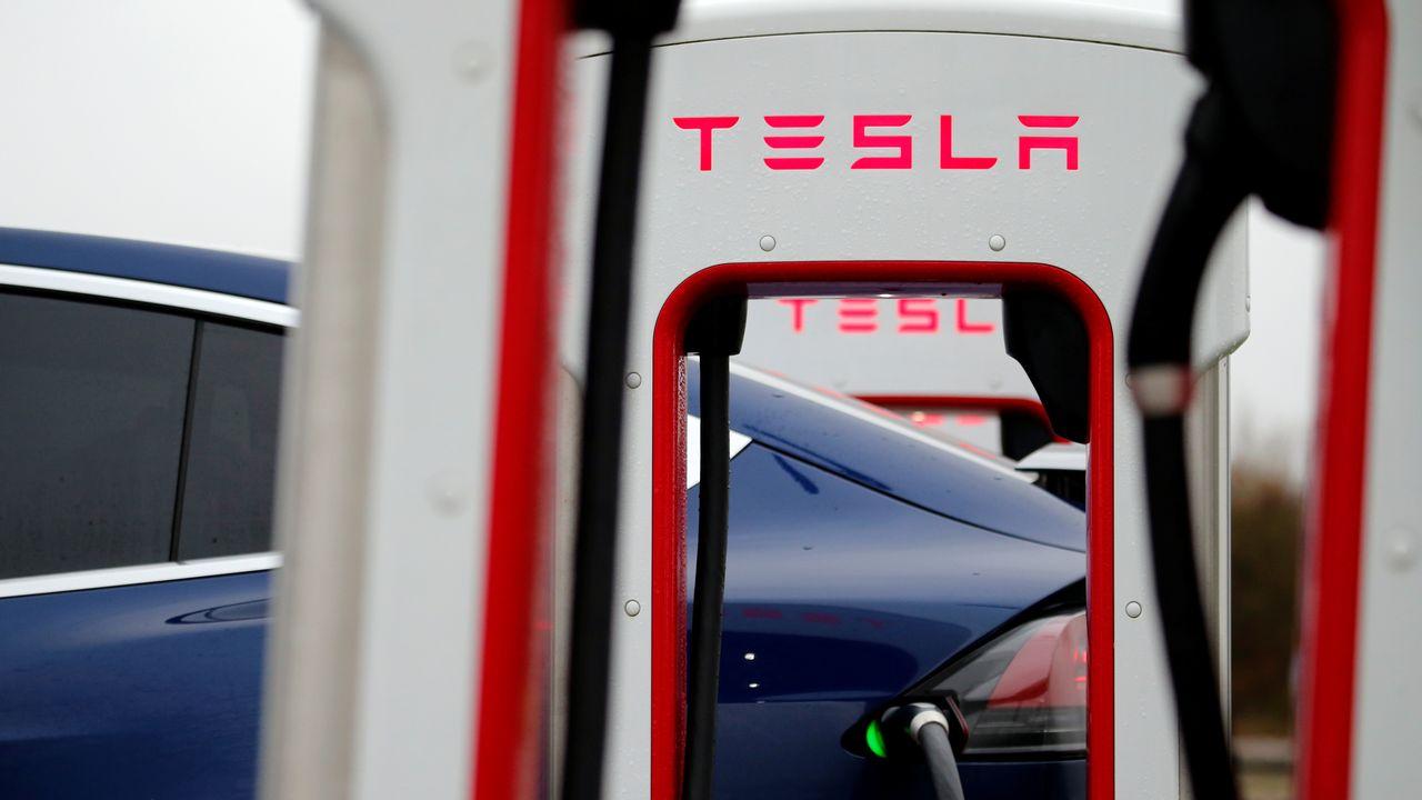 L'accident d'une Tesla sans personne au volant fait deux morts en Californie. [Pascal Rossignol - Reuters]