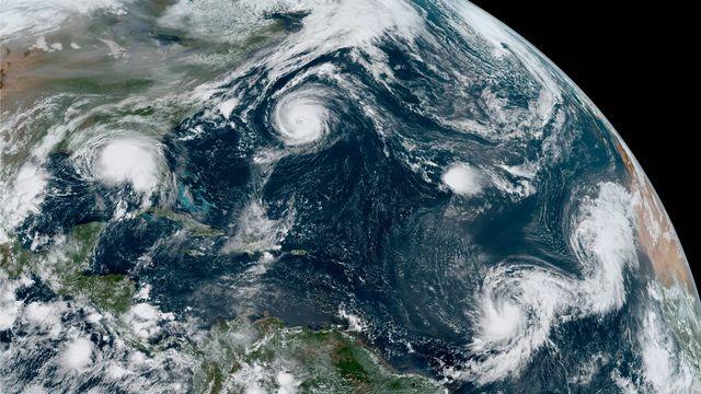 De gauche à droite, Sally, Paulette, Rene, Teddy et Vicky sur l'Atlantique équatorial, le 14 septembre 2020 [NASA]