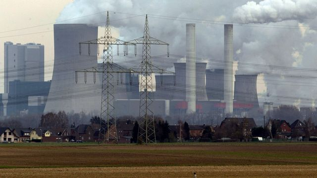 Usine de charbon près de Cologne, en Allemagne. [Arnd Wiegmann  - Reuters]