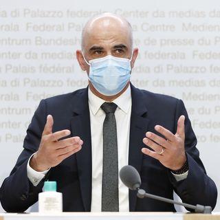 Le conseiller fédéral Alain Berset, en charge de la santé, lors de la conférence de presse du 21 avril 2021. [PETER KLAUNZER - KEYSTONE]