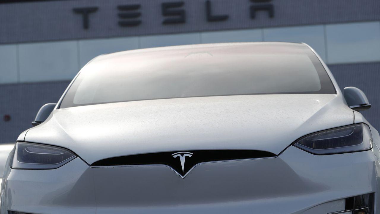 Tesla est sur la sellette après un accident mortel. [David Zalubowski - AP]