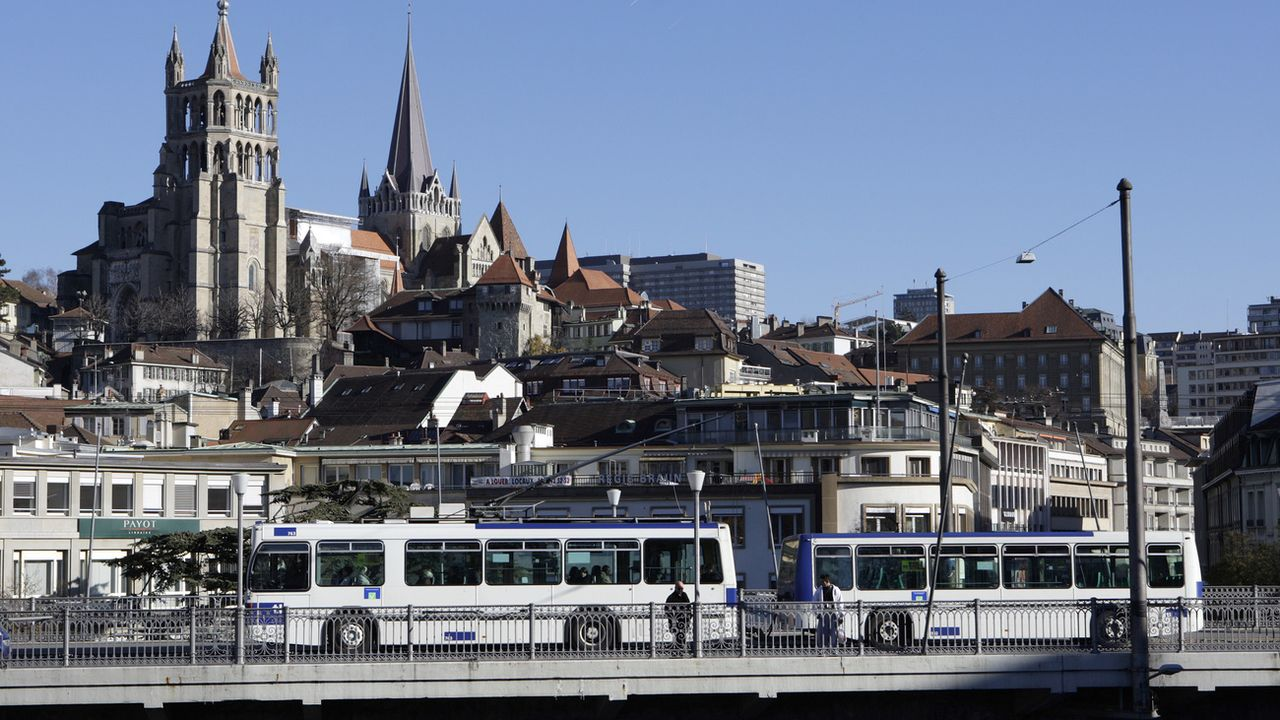 Un bus en ville de Lausanne. (image d'illustration) [Laurent Gillieron - Keystone]
