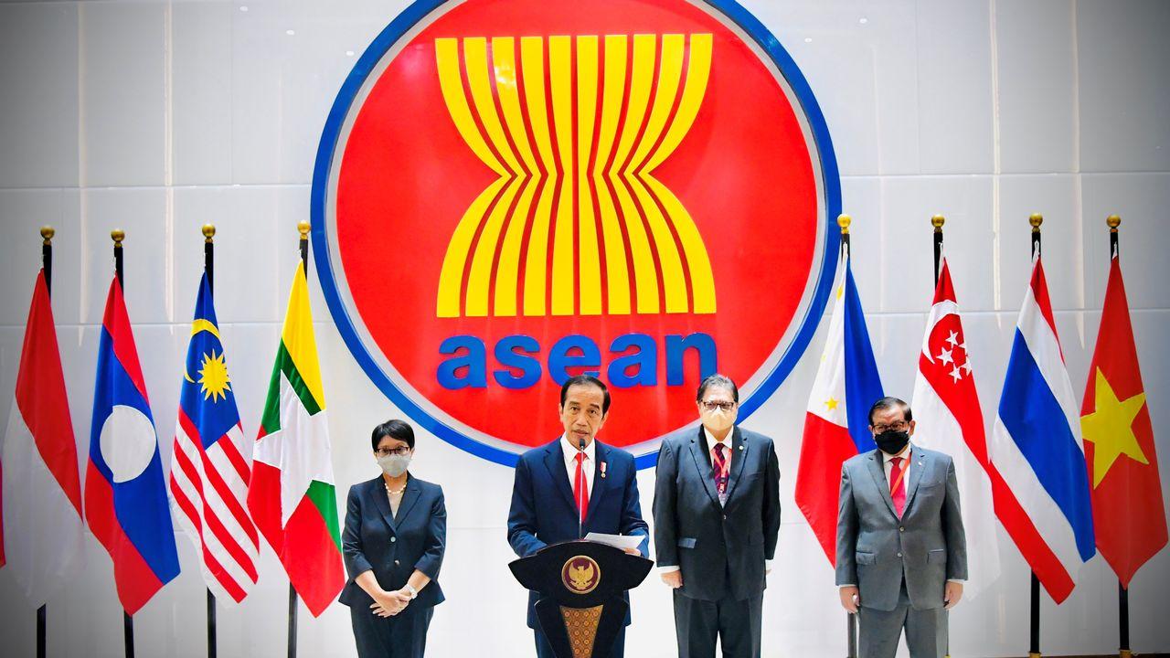 Le président indonésien Joko Widodo a appelé la junte birmane à cesser les violences contre les civils et à restaurer la démocratie. [Reuters]